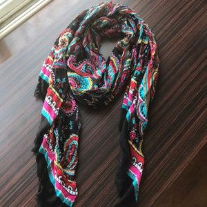Vera Bradley soft fringe scarf Parisian Paisley